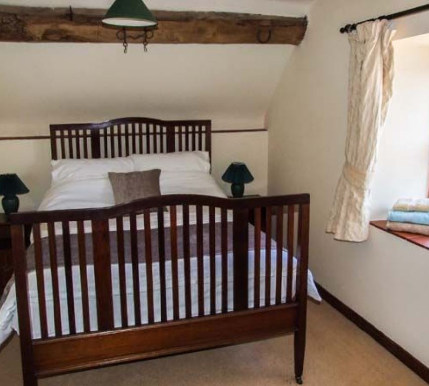 Double room at self catering near Bromyard