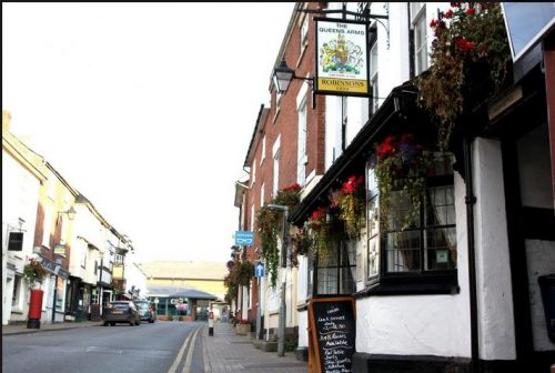 The Queens Arms pub with rooms in Bromyard