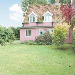 Oaklawn Cottage holiday home near Diss